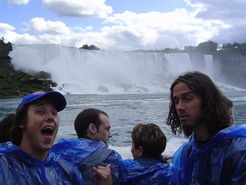 x Canada Roadie, Niagra Falls (I really need to pee and theres no toilets onboard the boat)