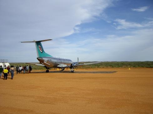 Boarding plane at Woodie Woodie - No VIP lounge here