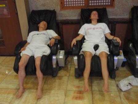 Massage w happy ending